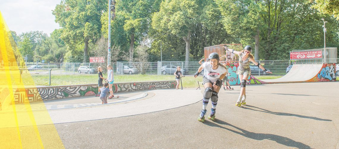 zpg-headerPage-rollerskaters-02-desktop